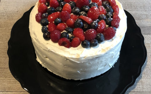 Sponge cake à la vanille et aux fruits rouges